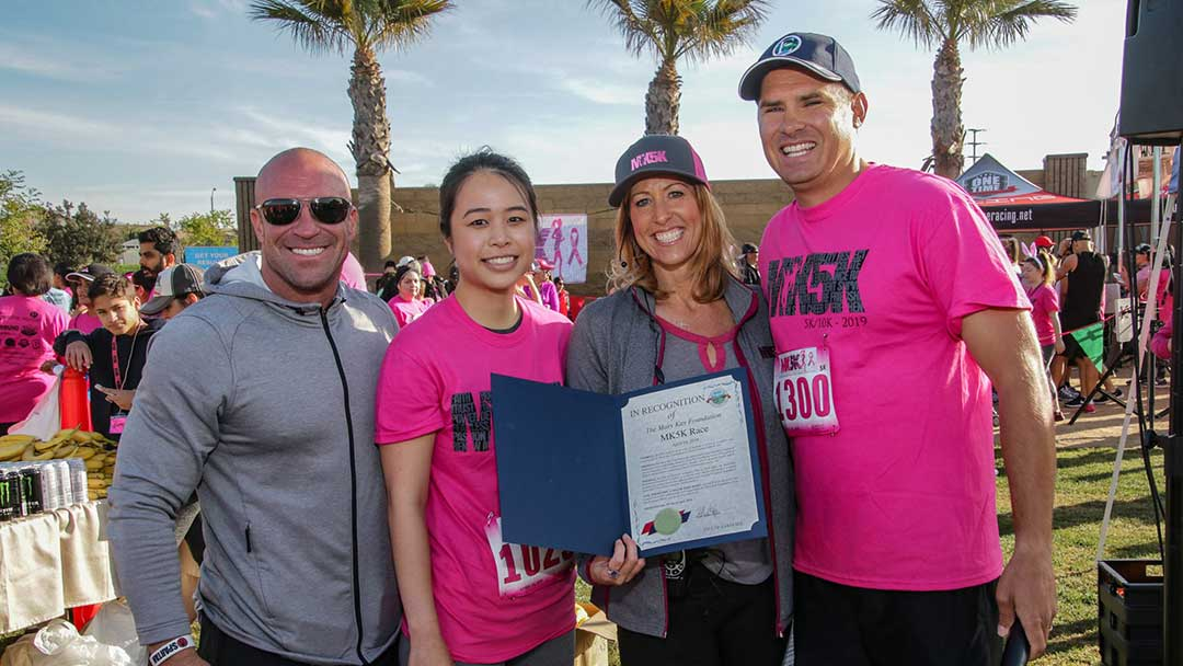 image: MK5K Mary Kay Director, Debbie Blackford and team